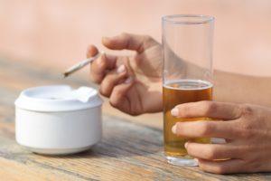 Stili di vita più sani senza fumo, alcol e sedentarietà